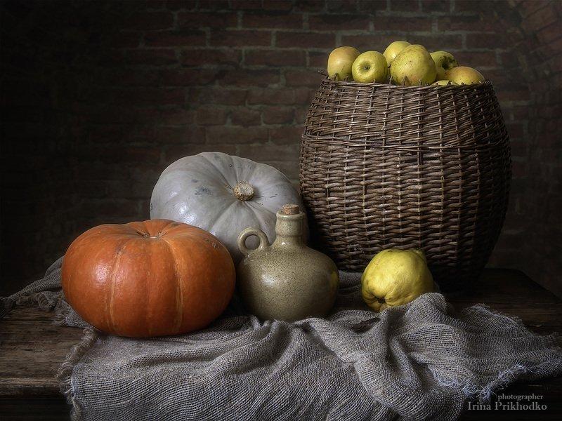 натюрморт, художественное фото, осень, урожай, овощи, фрукты, яблоки, тыквы Старый деревенский подвалphoto preview