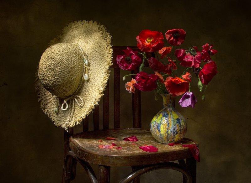 натюрморт, шляпа, маки Совсем недавно..... фото превью