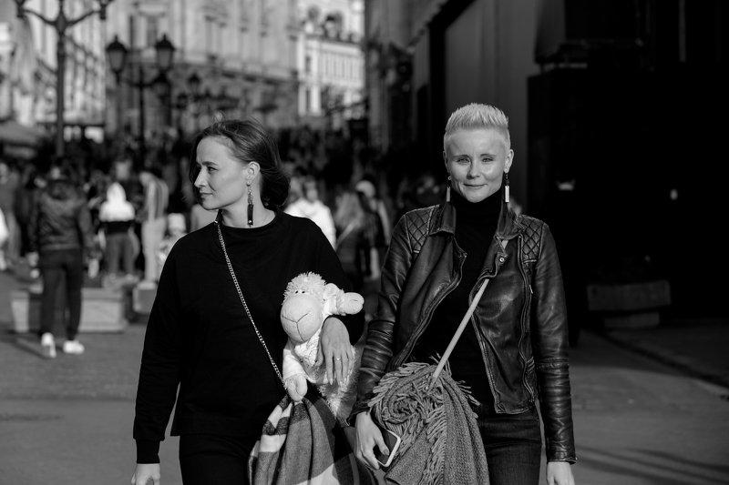 стрит, репортаж, люди, город, черно-белая photo preview