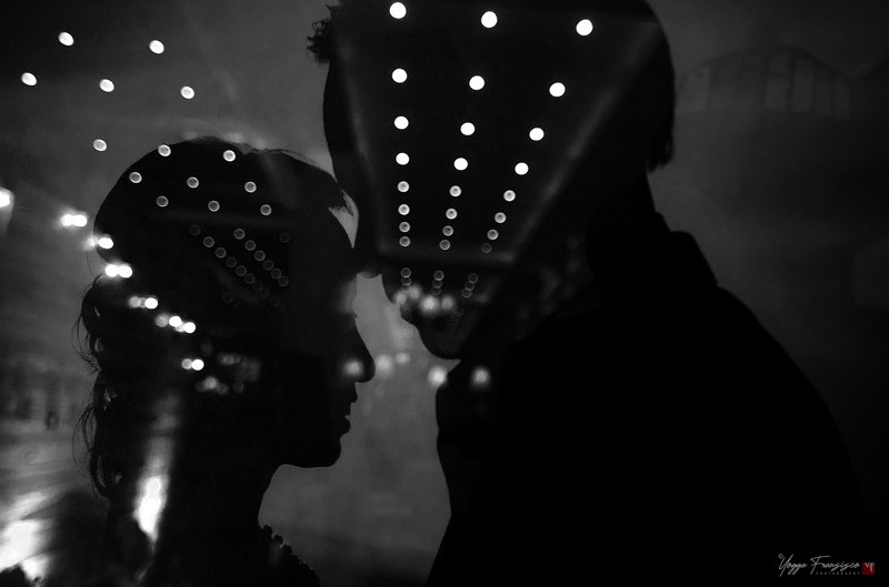 #couplephoto #inlove #mood #lights #blacknwhite Flickering of Lovephoto preview