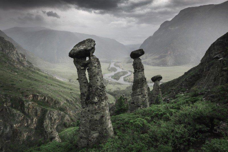 алтай, озеро, горы, лес, природа, закат, рассвет, красота, приключения, путешествие Каменные грибы долины реки Чулышманphoto preview
