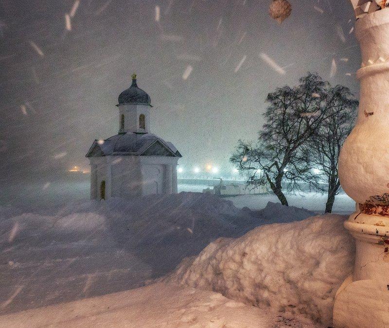 соловки, монастырь, снег, зима, ночь, метель Метель на Большом Соловецком острове.photo preview