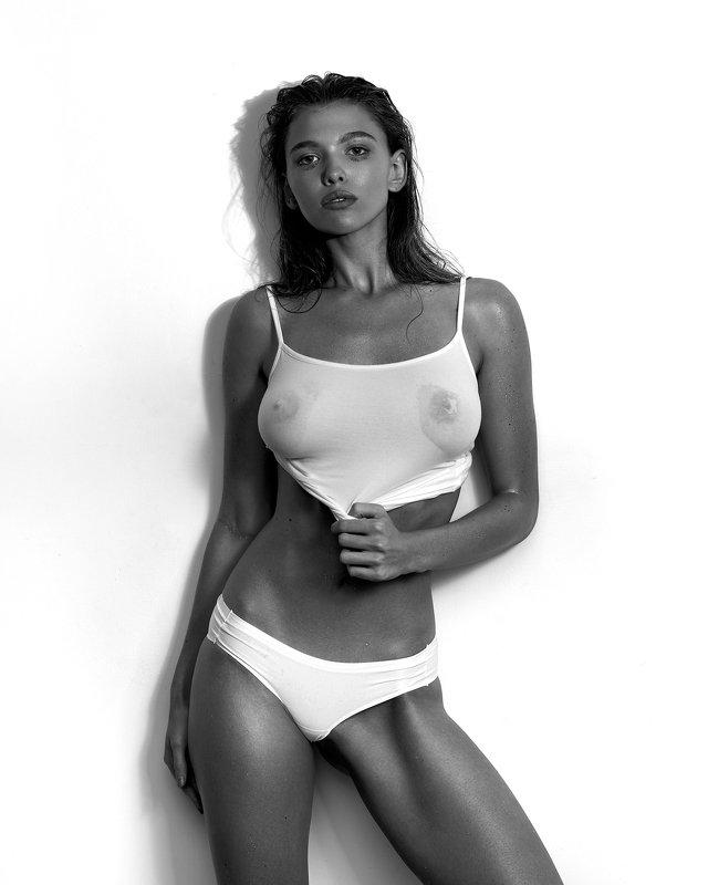 girl, wet, studio, test, shirt, black and white, shape, drops,  Marinaphoto preview