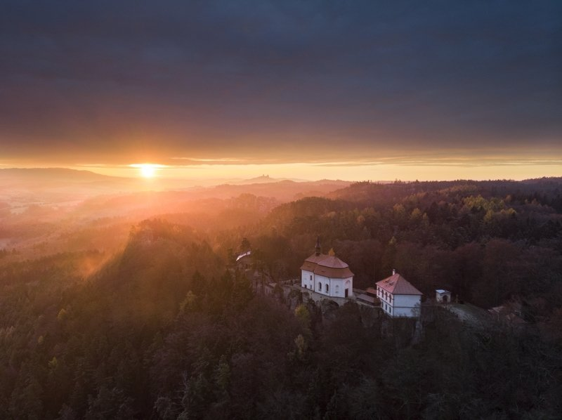 mavic air, drone, aerial, czechia, autumn, air photography, castle, bohemian paradise In the right time..photo preview