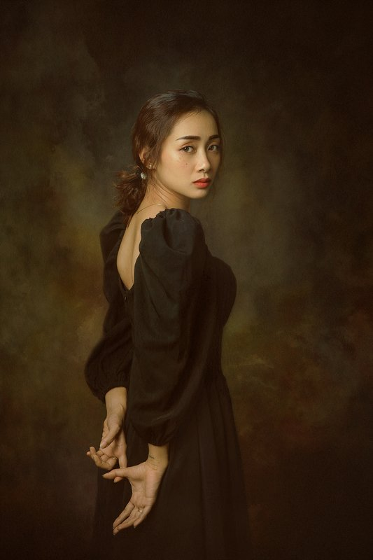 portrait, female, woman, girl, asian, vietnam, vietnamese, young, face, beauty, glamour, studio, eyes, short hair, hairstyle. staged, classic * * *photo preview