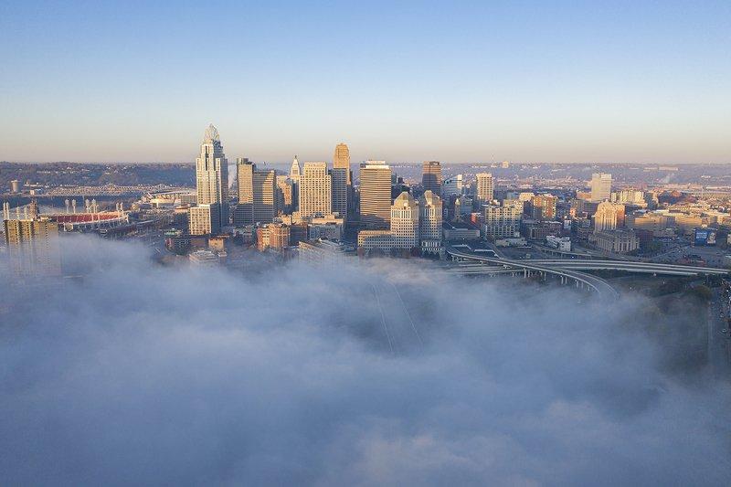 Cincinnati, Ohio at foggy morningphoto preview