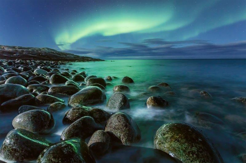 северное сияние, териберка, ночная съемка, пейзаж Сияние над яйцамиphoto preview