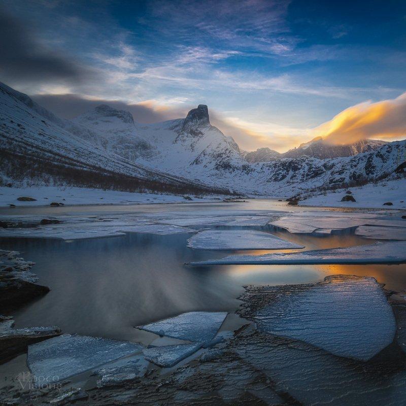 winter,snow,sunset,long exposure,romsdalshornet,romsdal,norway,norwegian, Wintertime in the mountainsphoto preview