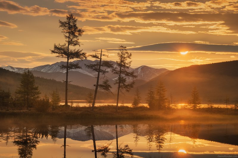 Колыма, озеро Джека Лондона Утро на Пургеphoto preview