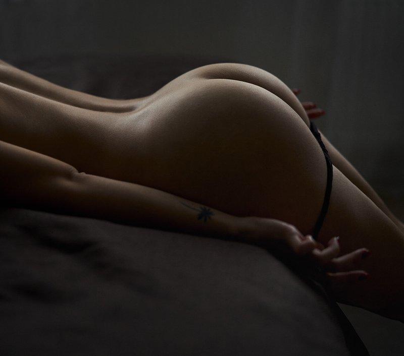 girl, nude, naked, undress, lingerie, underwear, ass, butt, bed, bedroom, at home, natural light, undress, tattoo, dark noise Vphoto preview