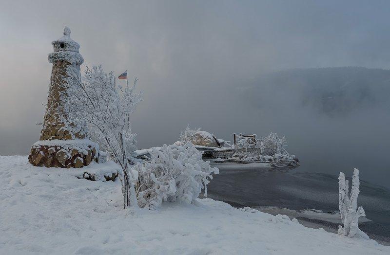 енисей, мороз, маяк. Мечты о дальнем плавании.photo preview