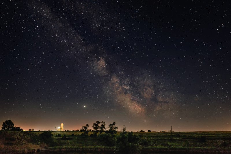 млечный путь, звёзды, пейзаж, степь, копры, шахта, ночь, юпитер, сатурн, деревья Млечный путь над донецкой степьюphoto preview