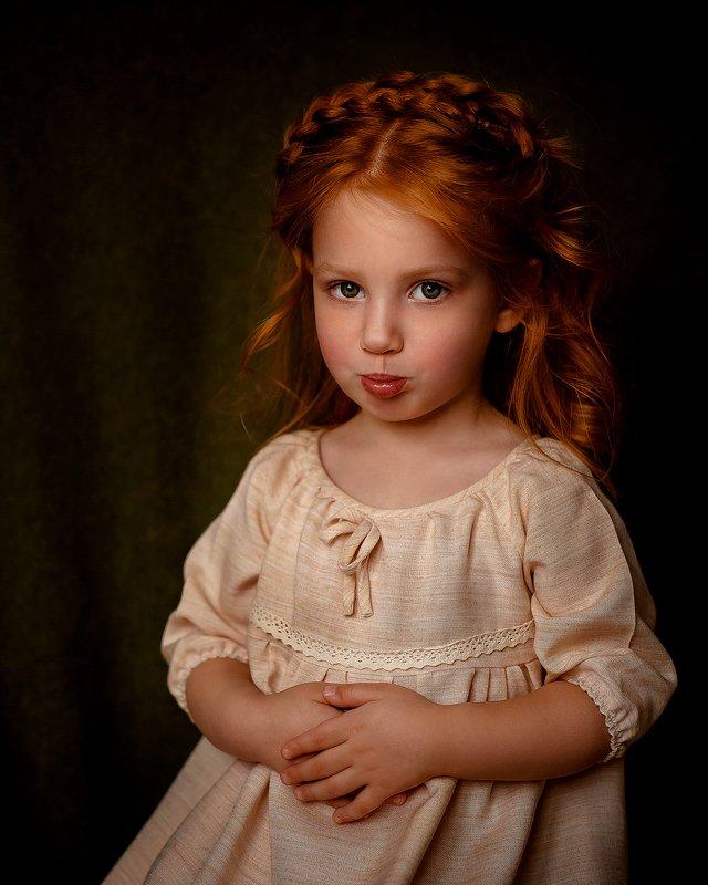 девочка, рыжие волосы, естественный свет, портрет Алисаphoto preview