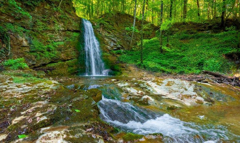 Водопад на реке КубАphoto preview
