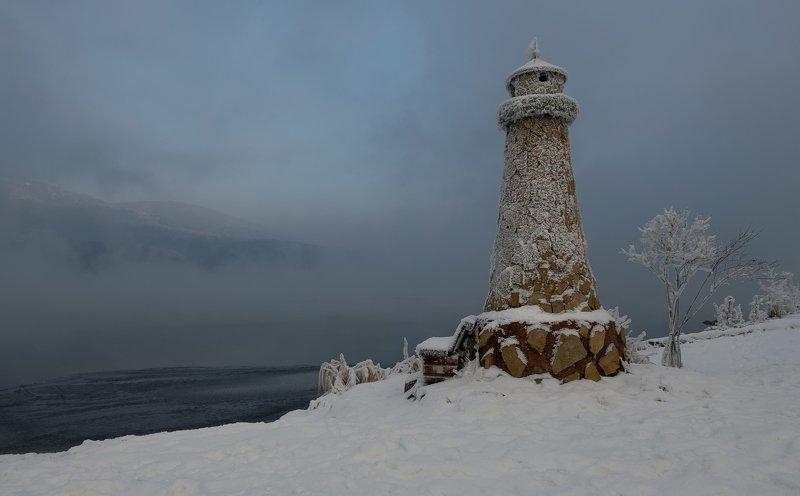 красноярск, мороз, енисей,маяк. Маяк на берегу.photo preview