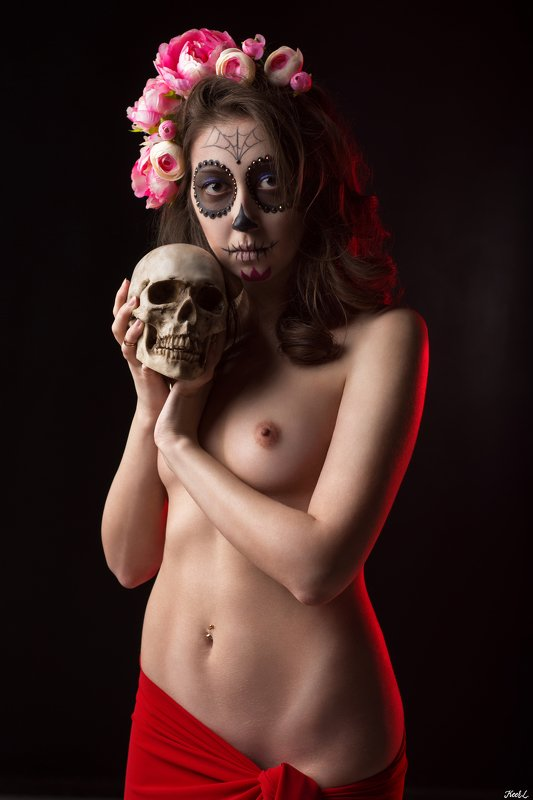 people,portrait,studio,nikon,sexy,skin,underwear,topless,naked,girl,nude,cute,cosplay,flower,skull Santa Muertephoto preview
