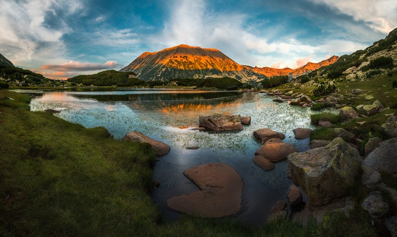 landscape nature scenery lake light sunlight evening sunset peak reflections view sky mountain pirin пейзаж озеро горы закат Benevolent momentsphoto preview
