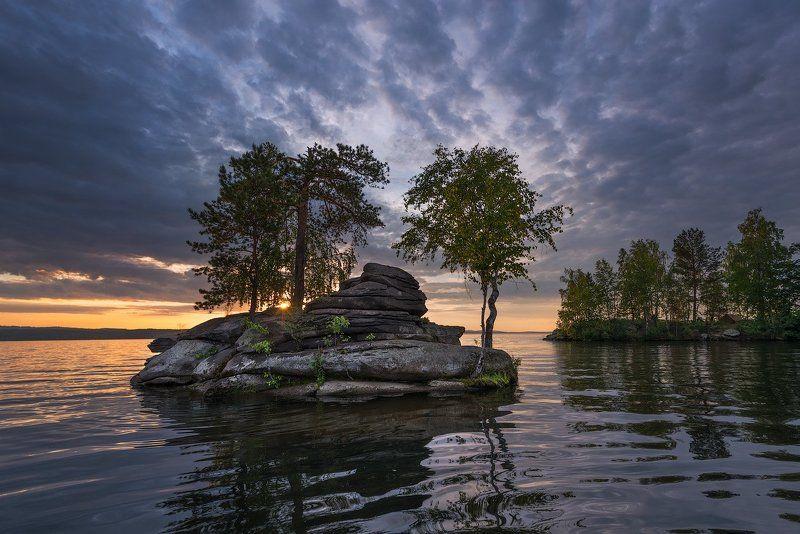 Необитаемый островphoto preview
