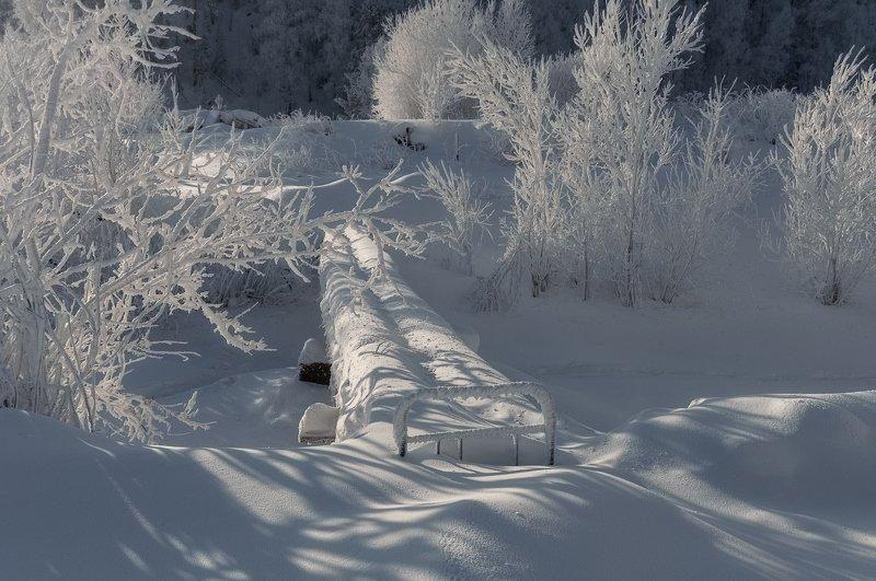 красноярск., ручей, ст. маганская., мостик. Мостик. Закрыт до весны.photo preview