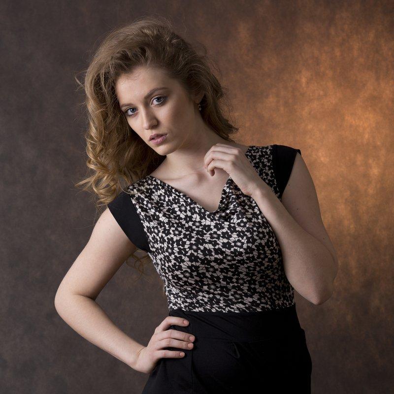 portrait,girl, beauty, woman, Mayaphoto preview