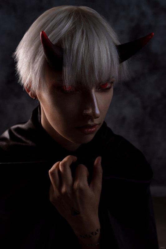 girl,cosplay,evil,dark The Devilphoto preview