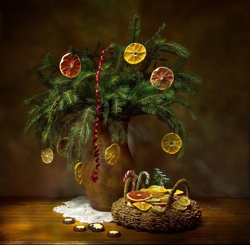 натюрморт, ель, мандарин, грейпфрут Новогоднее настроение.... фото превью