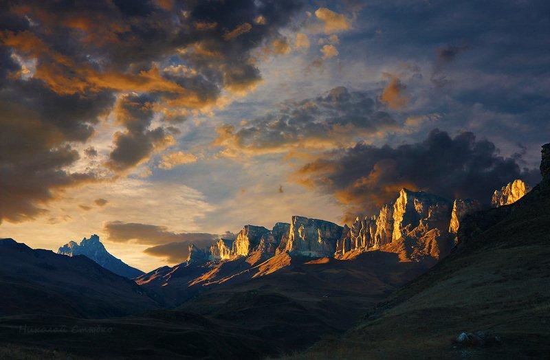 кавказ, горы, облака, алмалыкая Отроги Алмалыкаяphoto preview