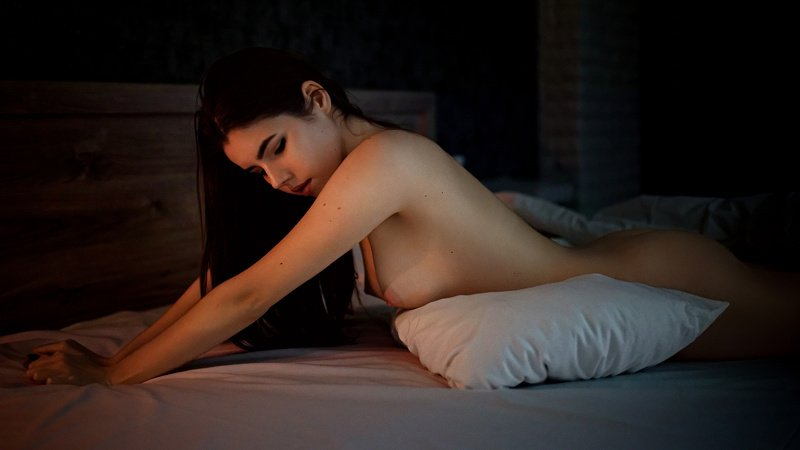 In a warm bedphoto preview