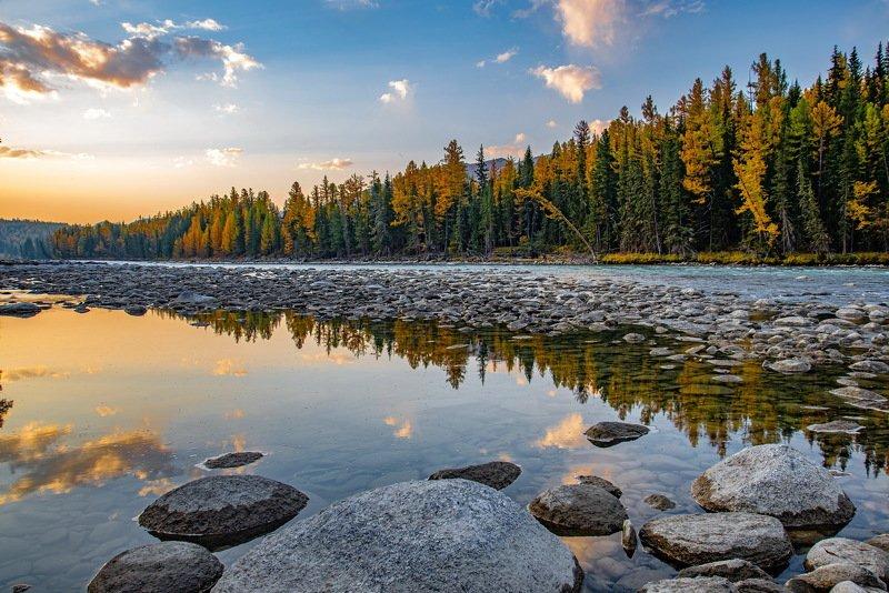 алтай. осень. горы. Утро на реке Аргутphoto preview