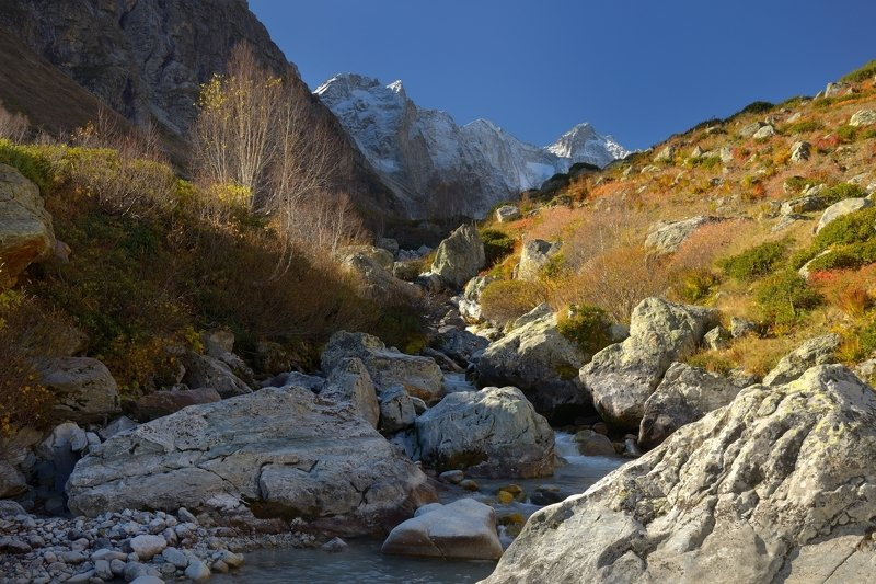 горы осень река гондора Осеннее утроphoto preview