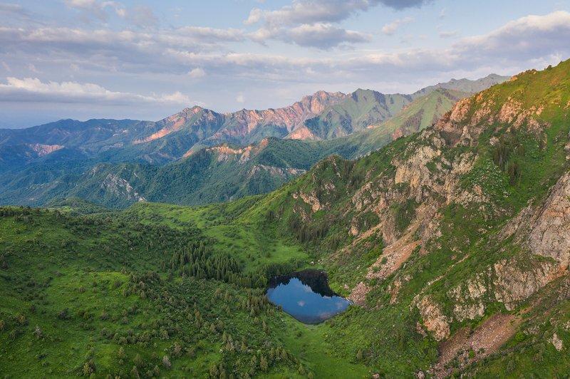 Сврычелек Чары-челек Киргизия ...photo preview