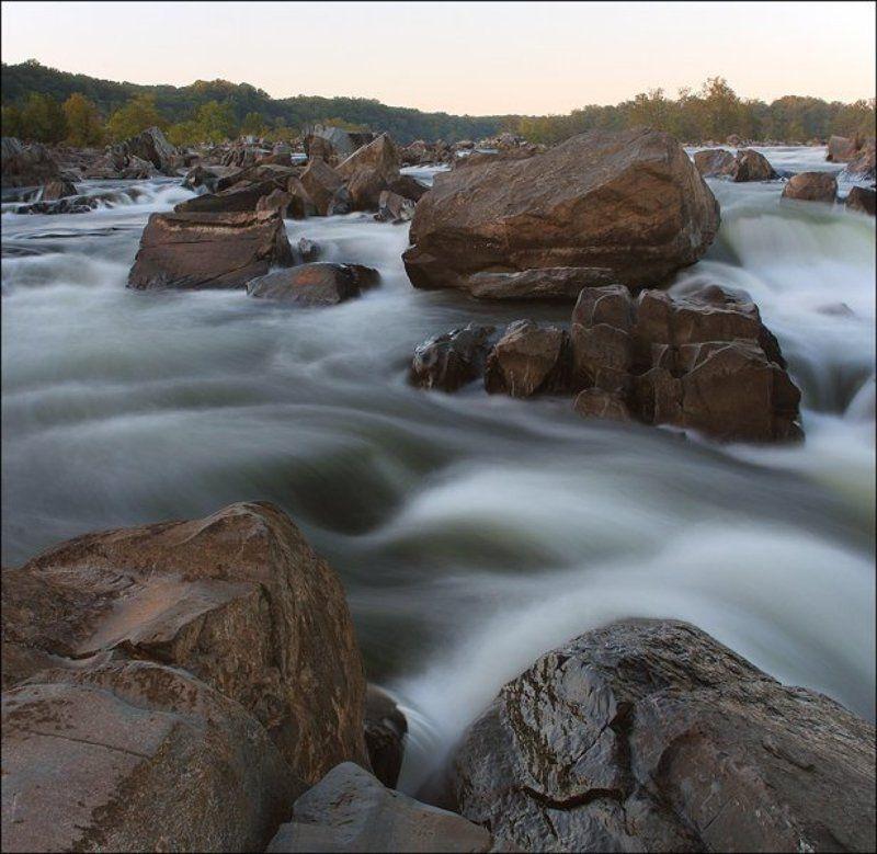 Камни в холодной водеphoto preview