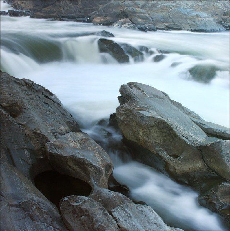 Камни в холодной воде (2)photo preview