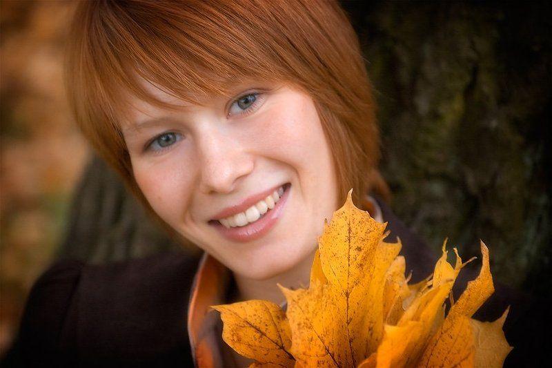 девушка, осень, природа, портрет, настроение, улыбка, учительница Портрет учительницыphoto preview