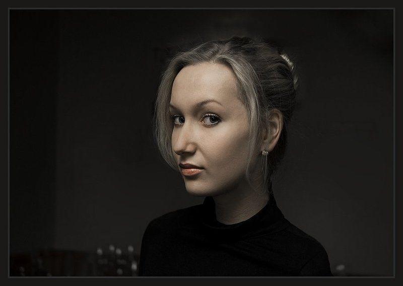портрет, девушки, в, холодных, тонах Портрет в холодных тонах.photo preview
