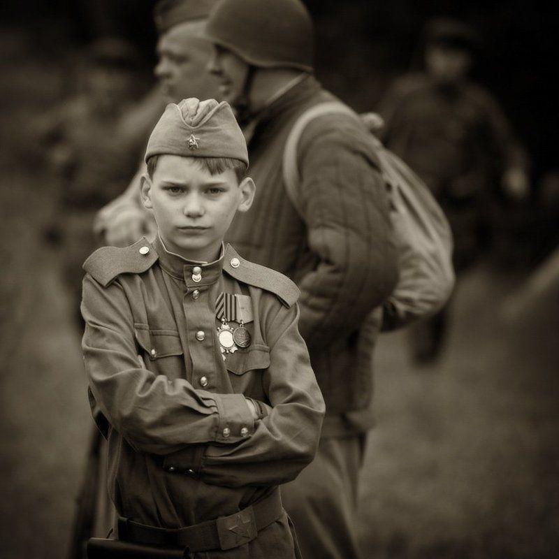 по обе стороны войны ...photo preview