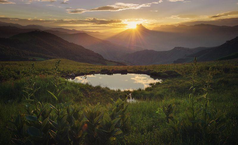 Горы, Закат, Кавказ, Лето, Озеро, Перевал, Солнце photo preview