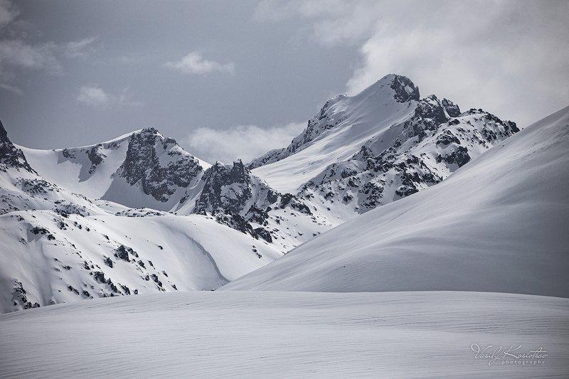 кыргызстан, горы, внутренний тянь-шань, март 2020 уголок Суусамыраphoto preview