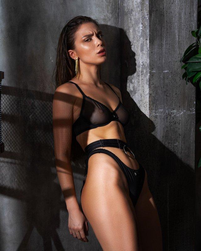 Polina Azarovaphoto preview
