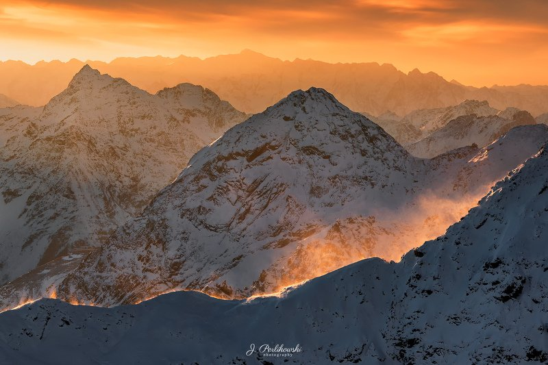 Alps, morning, sunrise, mountains, winter Windy morningphoto preview