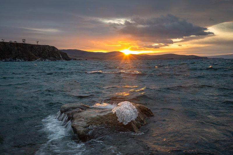 зима, вода, байкал, малое море, остров ольхон Рожденный моремphoto preview