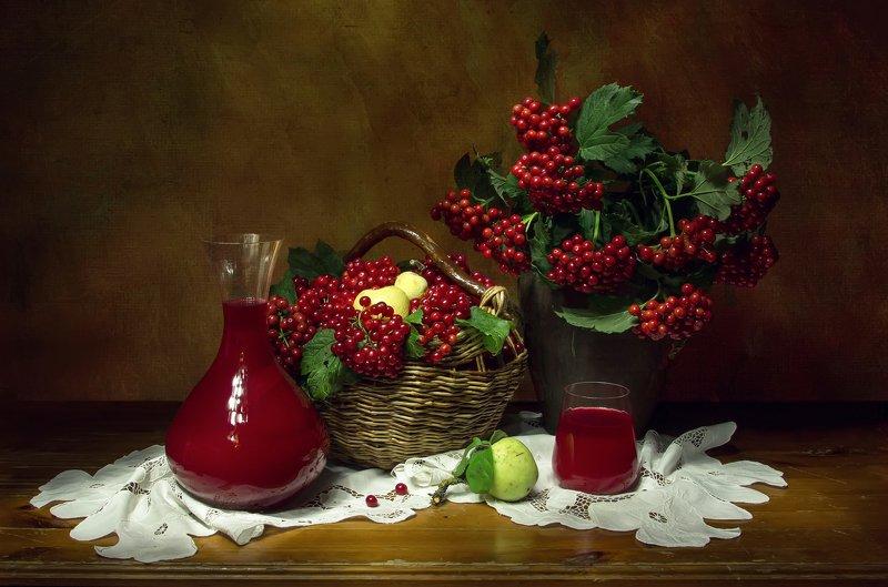 натюрморт, калина, калиновый сок, яблоки Калиновый сок... фото превью