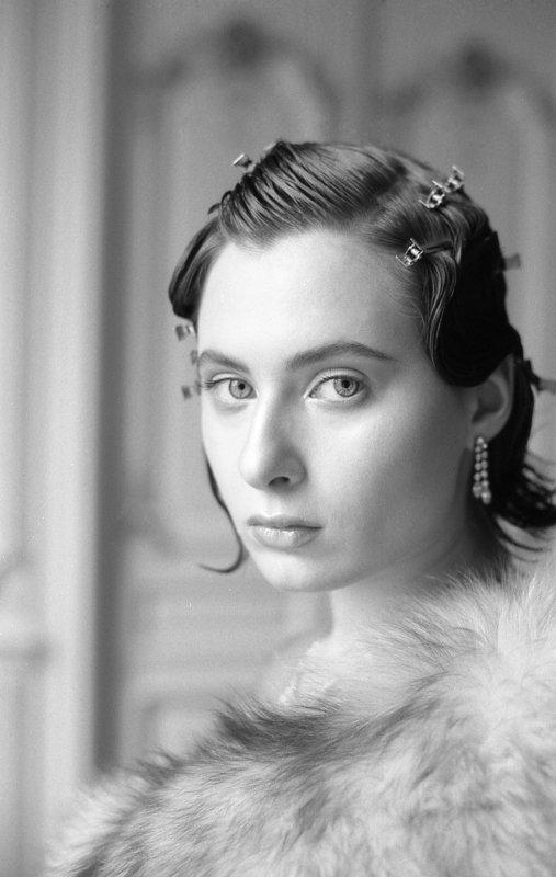 портрет, портретная фотография, женский портрет, естественный свет, студийный портрет, красота, женственность, пленка, пленочная фотография Катяphoto preview