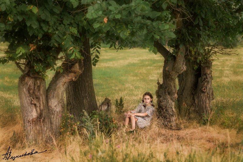фотограф Лисичанск, Лисичанск, портрет, общий план, девочка, ребенок, фотосессия на природе, лето, Иринаphoto preview