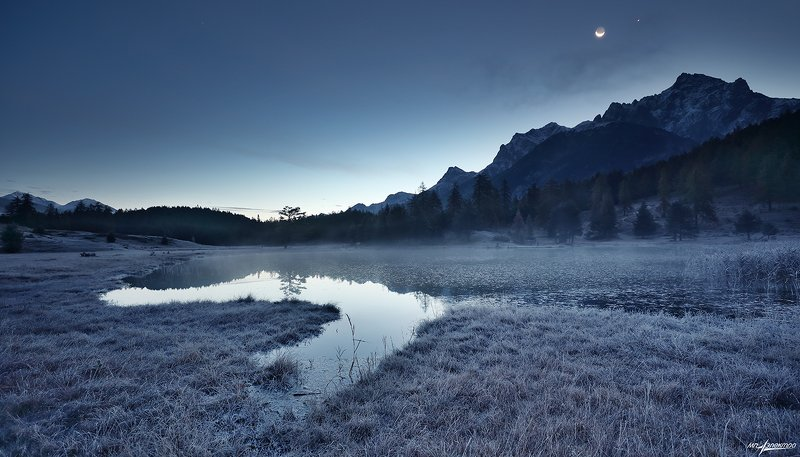 swiss В тумане теплится восходphoto preview