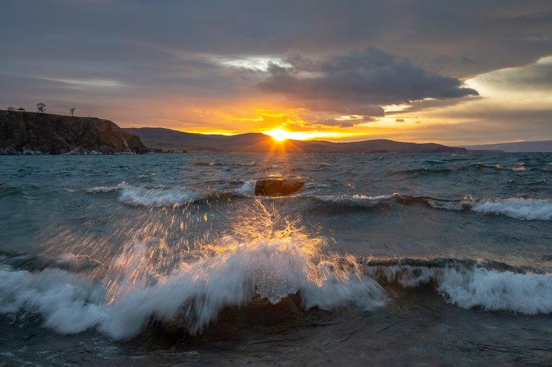 зима, вода, байкал, малое море, остров ольхон Бодрящий закатphoto preview