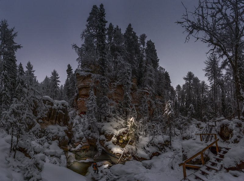архангельская обасть, ночное фото, русский север, мороз, пинега, карст У Святого источникаphoto preview