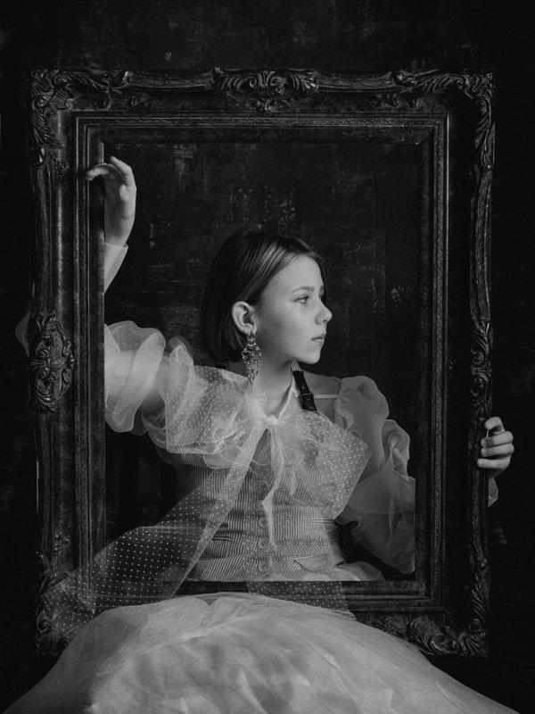 чб постановка чернобелый детский портрет Портрет с рамойphoto preview