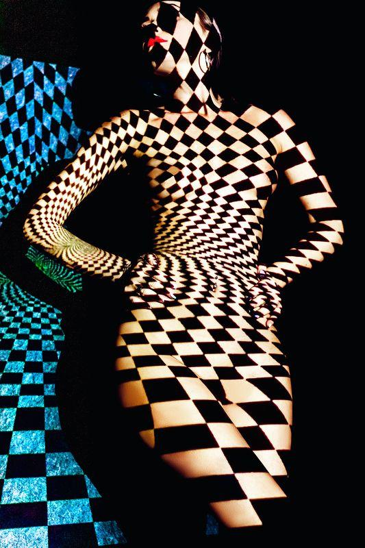 woman, portrait, nude, studio, projector Chess Queenphoto preview
