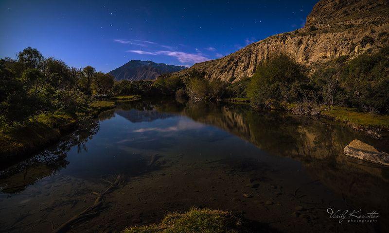 кыргызстан, горы, центральный тянь-шань родниковая ночь... и утренняя путаницаphoto preview